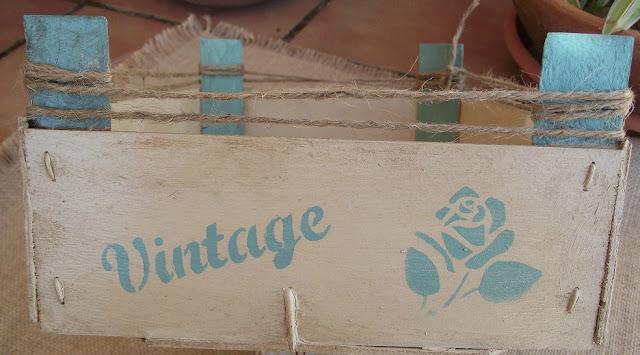 Caja de fresas decorada