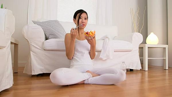 an-do-an-nhe-truoc-khi-tap-yoga