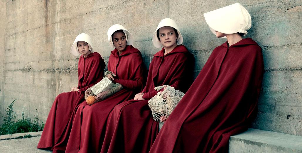 Algunas de las criadas en 'The Handmaid's tale'