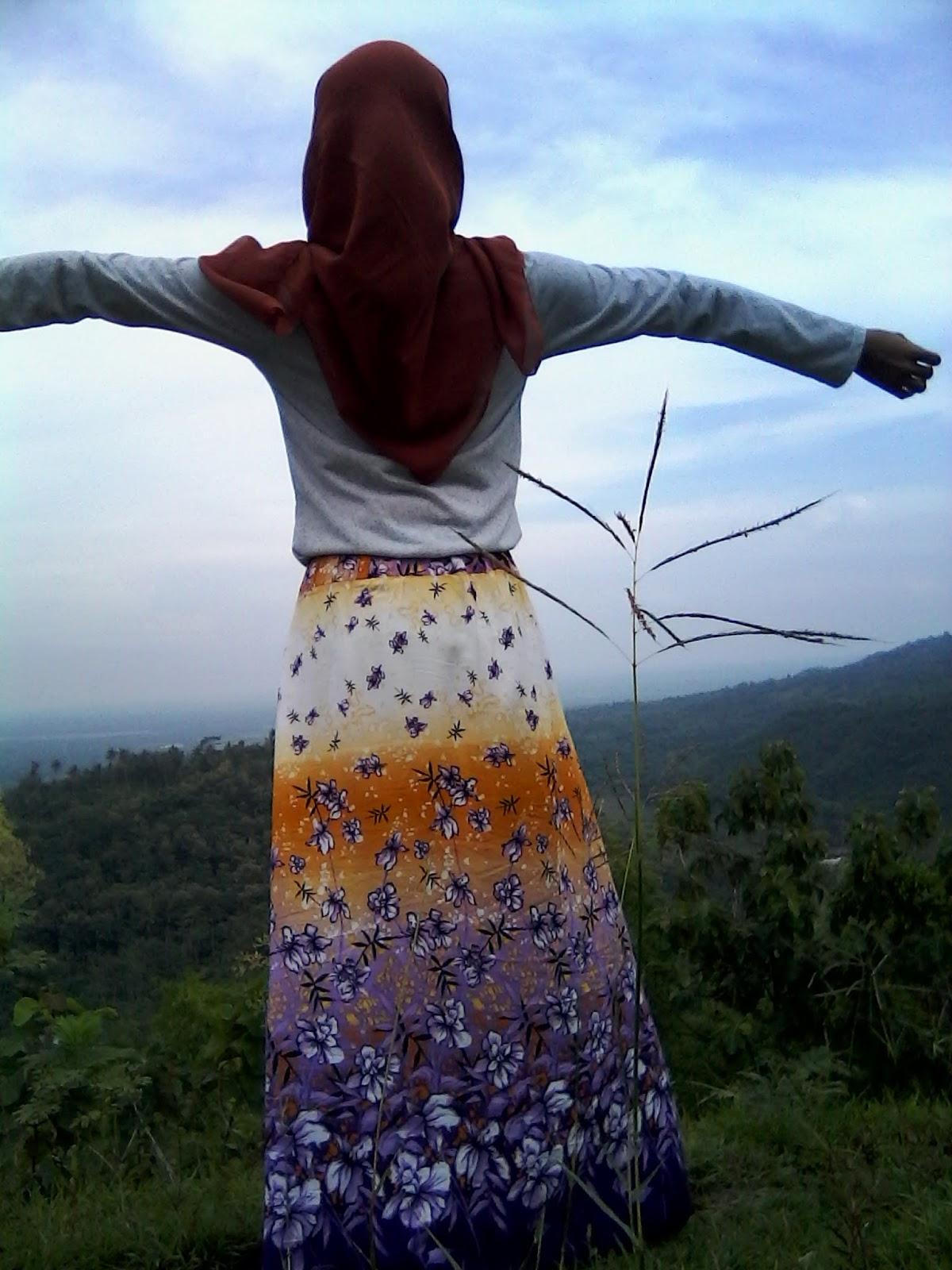 Gambar foto wanita dengan resolusi tinggi standart kamera digital