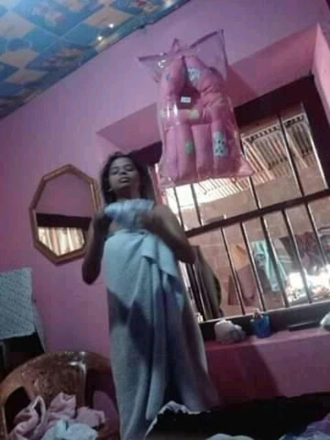 desi girl in bedroom nude Photos
