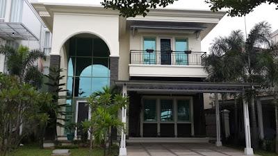 Disewakan Murah Rumah Mewah Semi Furnis Rp.130 /thn Sentul City
