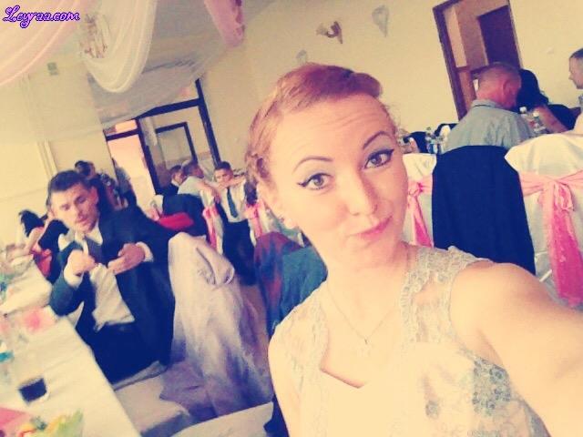 23.09.17 Sukienka z koronkową srebrną górą pastelowy róż, wisiorek gwiazdka, srebrne jazzówki, liliowy płaszcz, Wesele Dąbrowa Tarnowska