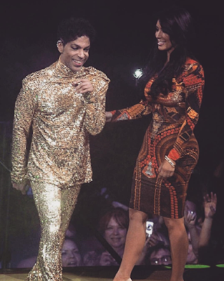 pRINCE AND KIM KARDASHIAN at concert before he kicked her off stage