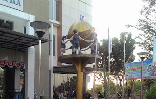 Monumen Bola Dunia Surabaya