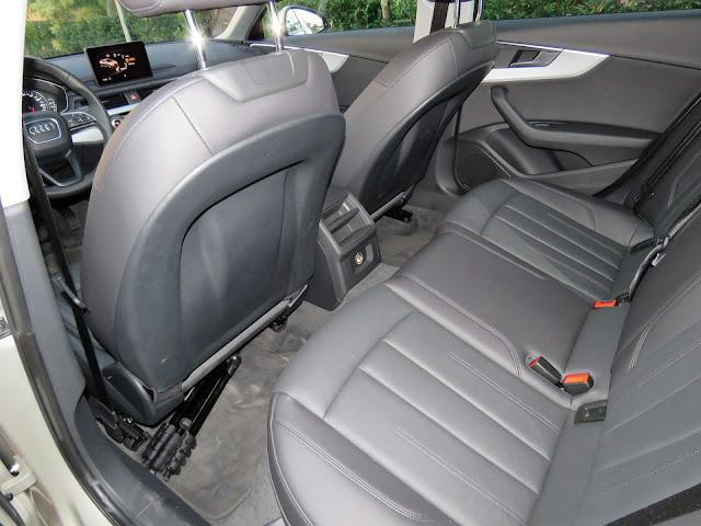 Novo Audi A4 Attraction 2017  - interior - espaço traseiro