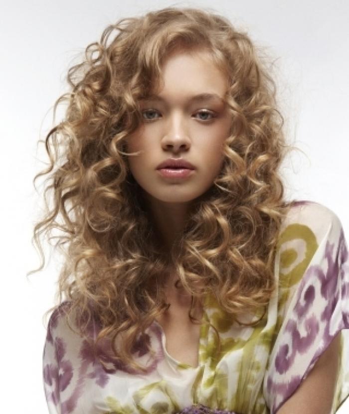 Superb Prom Hairstyles 2012 Curly Hair Looks Very Beautiful In Wavy Look Hairstyles For Men Maxibearus