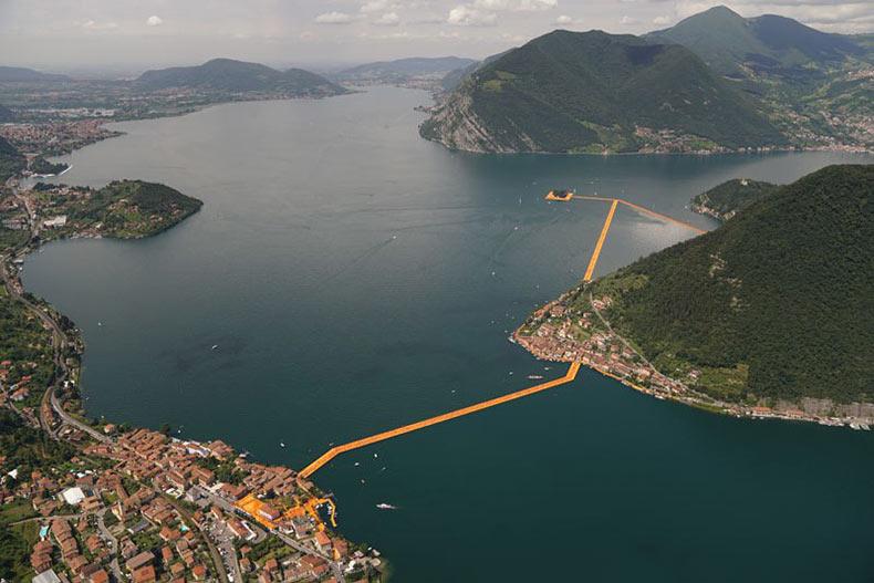 The Floating Piers: Los caminos flotantes amarillos que conectan islas y pueblos separados por el agua