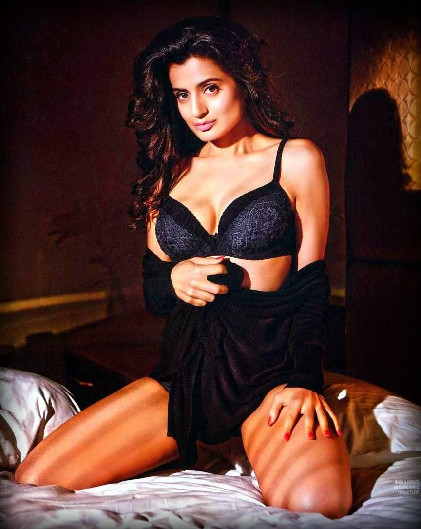 Amisha Patel Nude Video boldest pics: ameesha patel hot bold pics hd