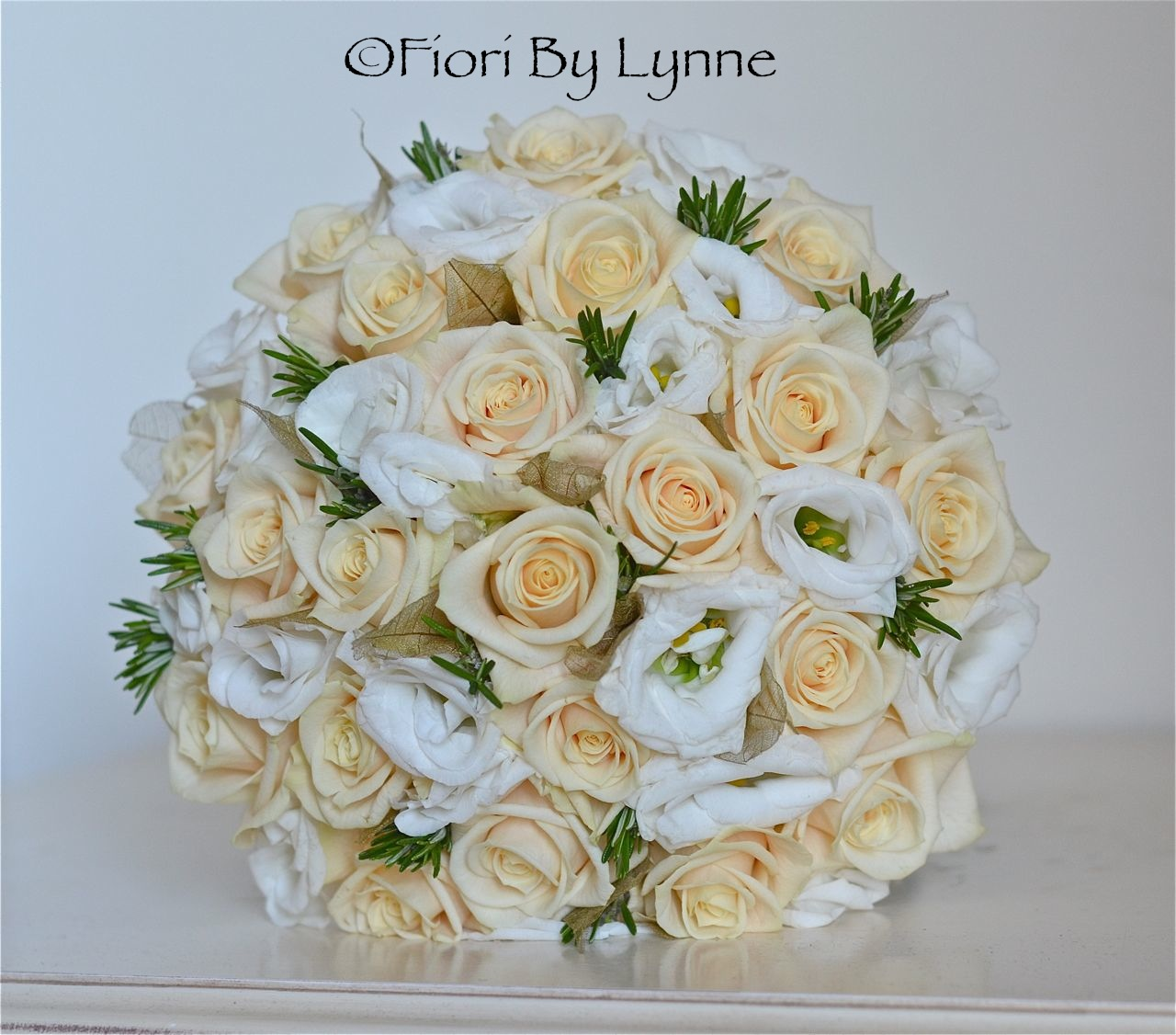 Wedding Flowers Blog: Louise\'s Cream and Gold Wedding Flowers ...