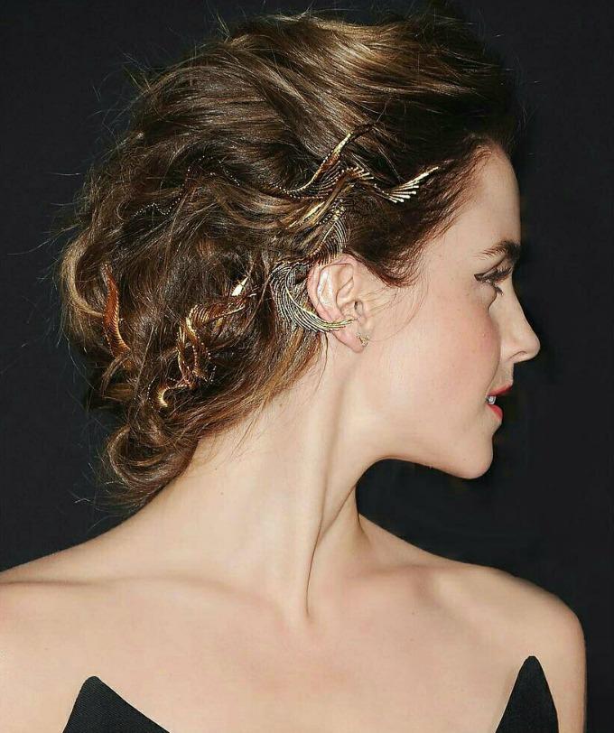 Acessórios para cabelo que são verdadeiras joias em penteados de deusas