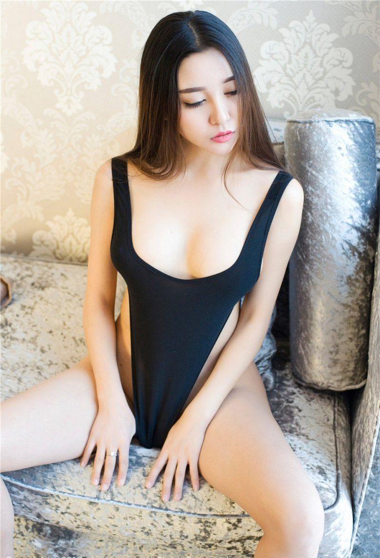 Teen dance erotic tits
