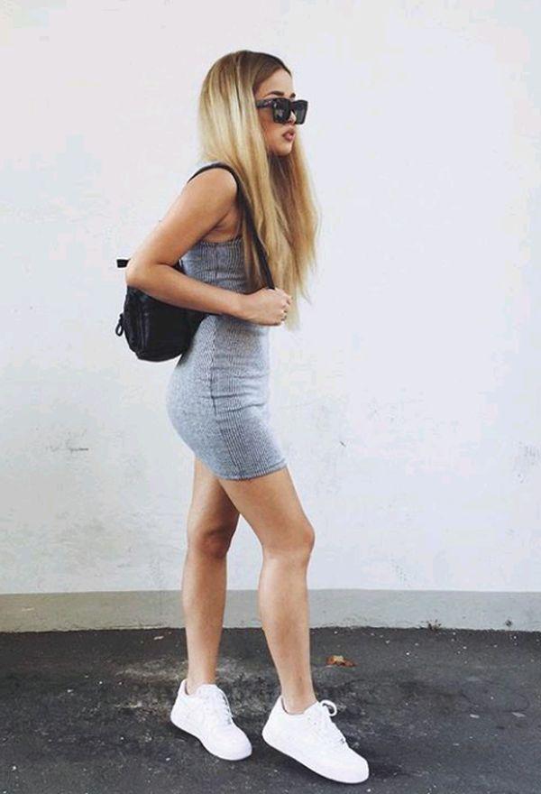 Vestidos y zapatillas