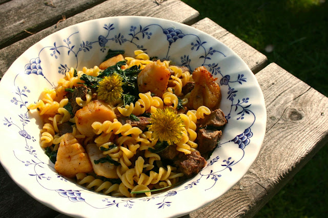 Surf n Turf Pasta #Foodie Friday | Simple Living and Eating