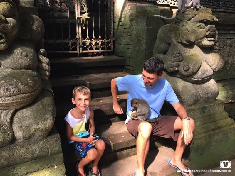 Bali com criança