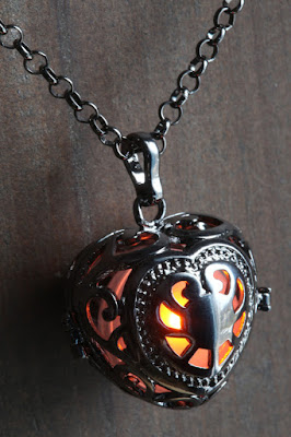 Glowing Heart Locket Jewelry