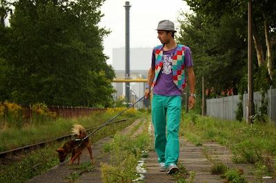 http://sciegiem-do-celu.blogspot.com/2013/11/meska-patchworkowa-kamizelka.html
