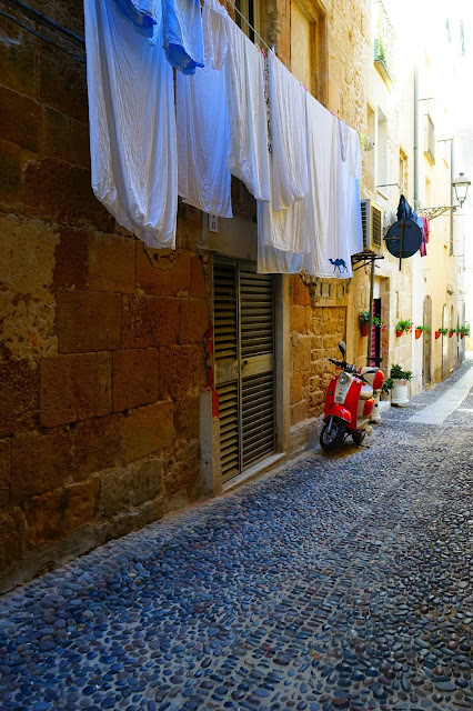 Le Chameau Bleu - Blog Voyage Alghero Sardaigne - Linge d'Alghero Sardaigne  - Tourisme Italie