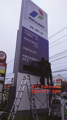 display harga spbu, papan harga spbu, display daftar harga spbu, led display spbu, display totem spbu, display harga spbu, display digital spbu,