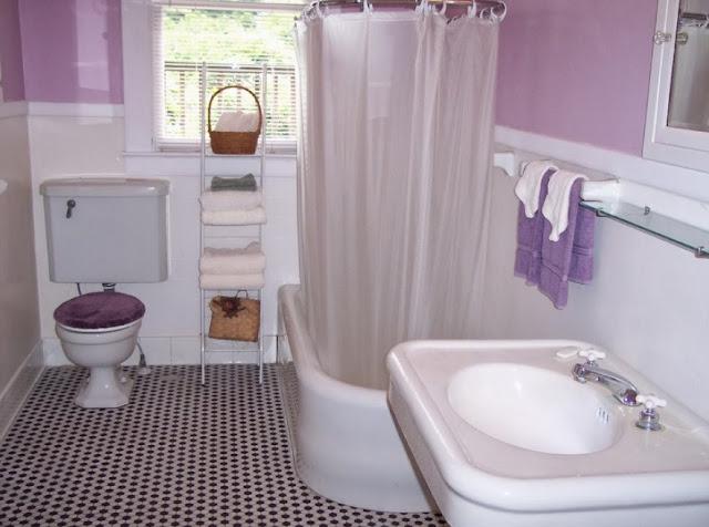 menata kamar mandi sederhana