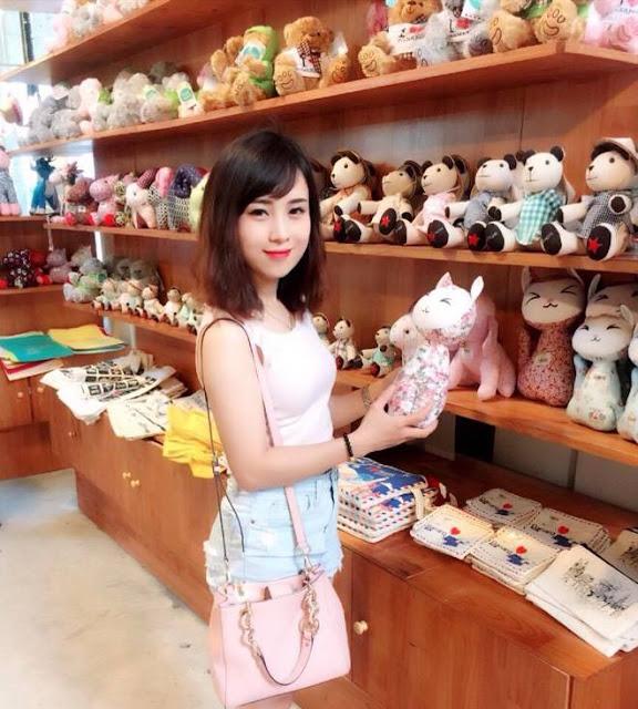 Hot Girl Không Tuổi Công Ty FPT Telecom Bắc Ninh 9