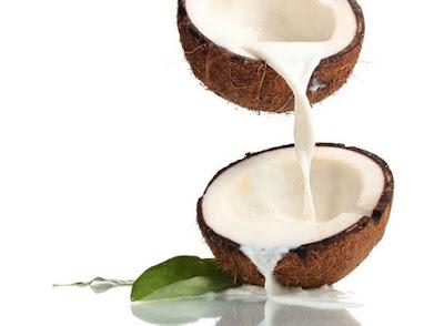 Dừa là trái cây giúp tăng cân rất tốt