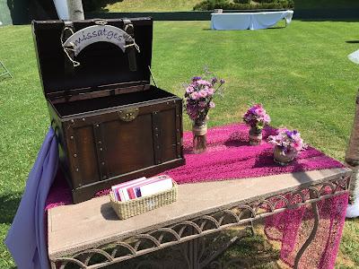 Baúl para que los invitados escriban mensajes en bodas y celebraciones