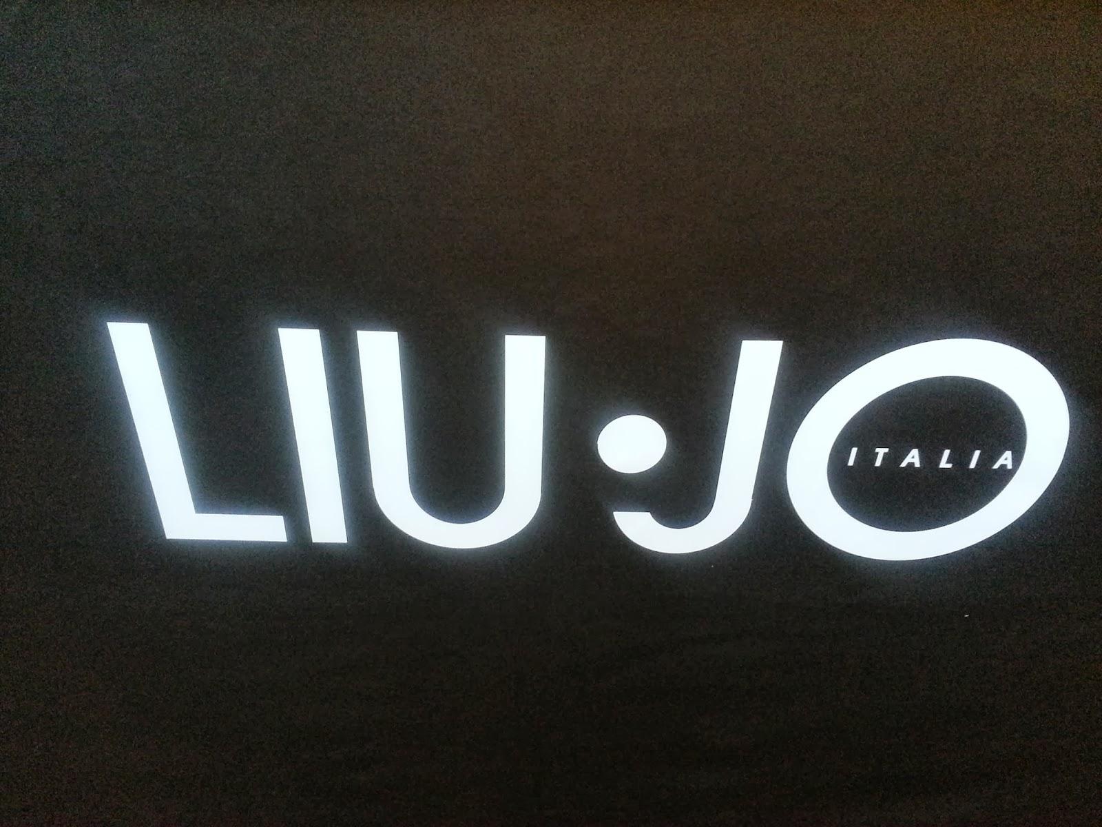 75bd317cd A loja apresenta as principais linhas da Liu Jo Collection, Liu Jo Jeans,  Liu Jo Accessories, Liu Jo Shoes, Liu Jo Underwear e Beachwear.