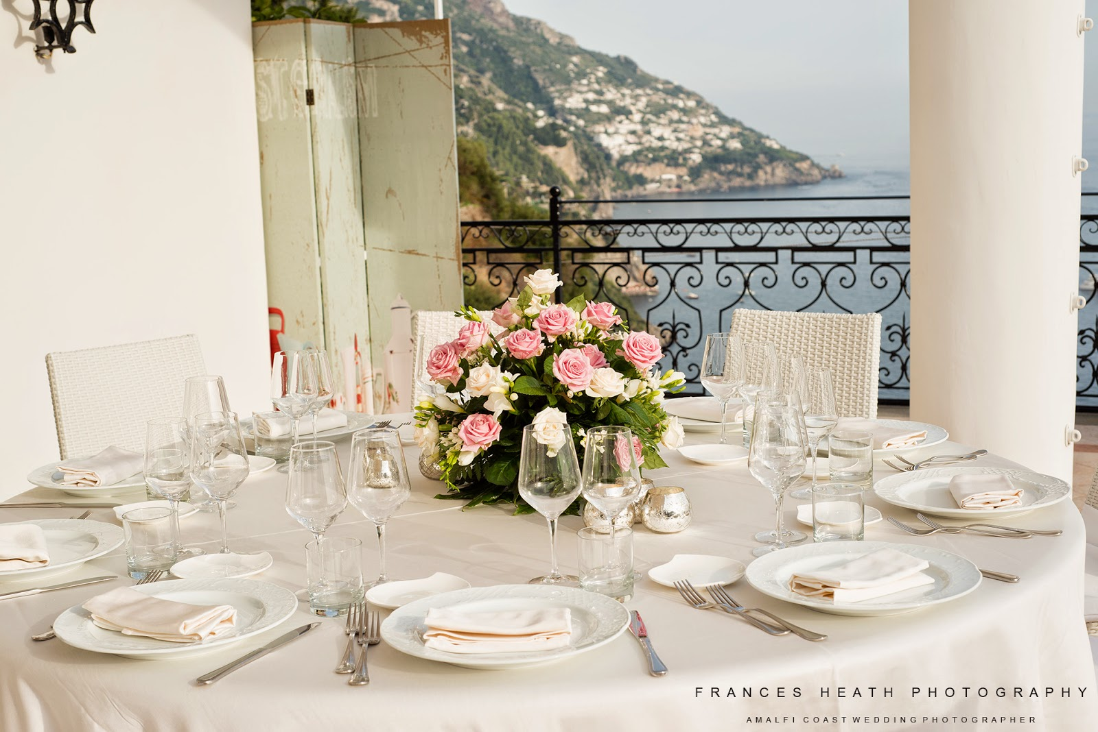 Wedding table decorations at Villa Oliviero