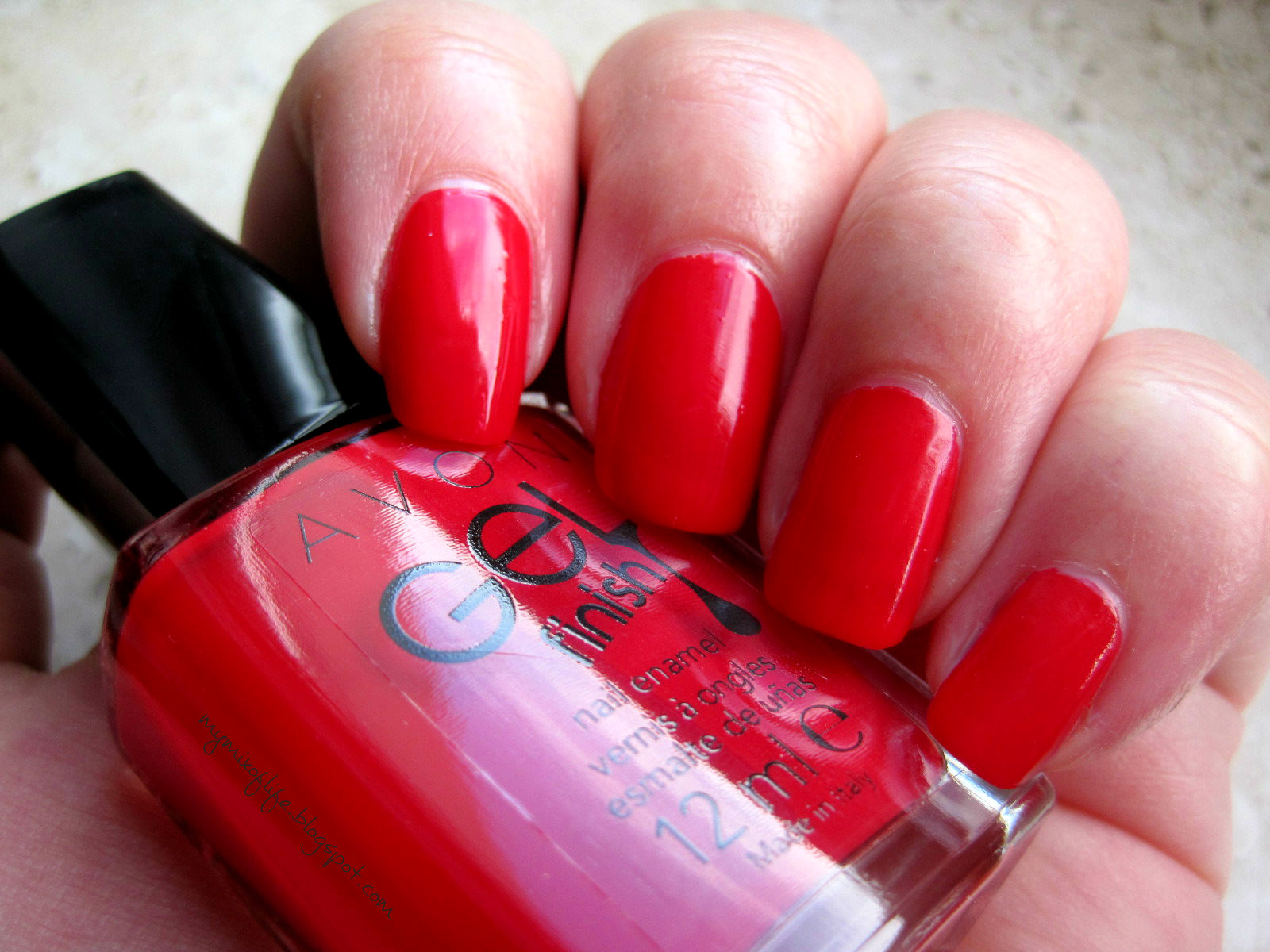 Avon Gel Finish Candy Apple z odrobiną złota