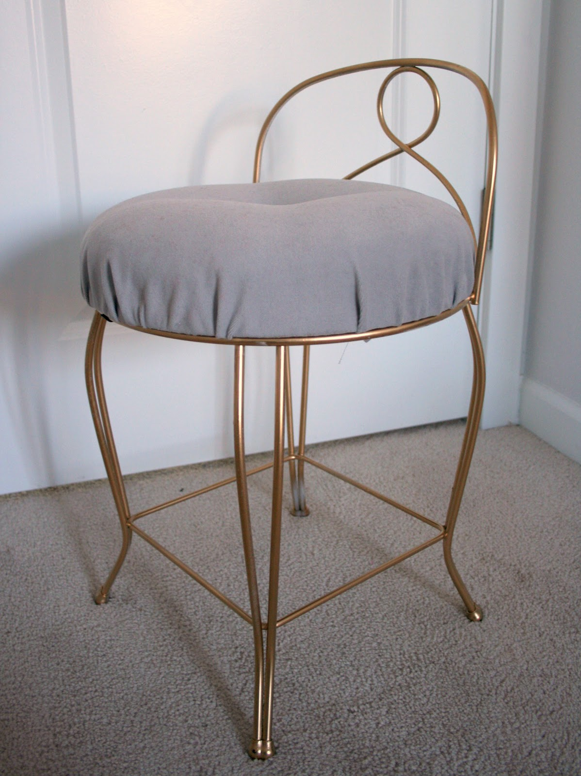Comfortable Vanity Chair Furniture Re Do Pretty Vintage Vanity Stool Create Enjoy