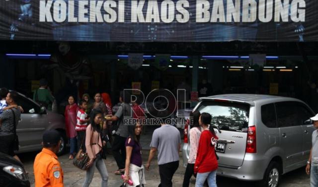 Bisnis Distro di Bandung Bertumbangan