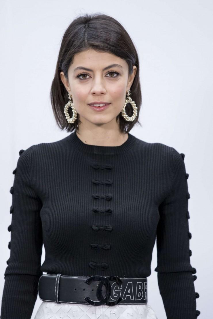 HOT & Sexy HD Wallpaper & Photos of Italian actress Alessandra Mastronardi