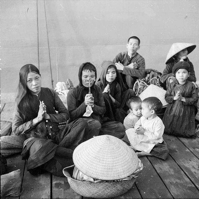 Đồng bào Công giáo miền Bắc bị ép di cư vào miền Nam