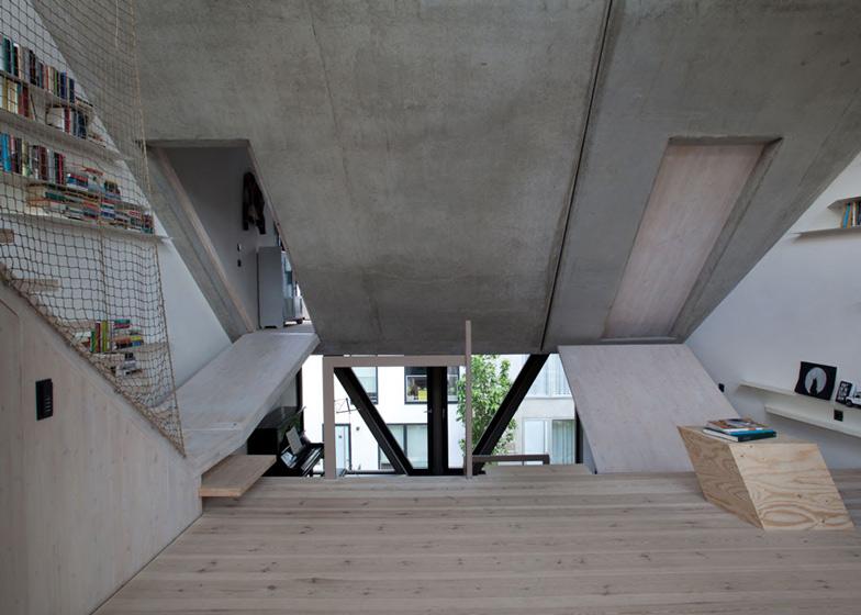 Townhouse B14 di Berlino by XTHBerlin  ARC ART blog by Daniele Drigo