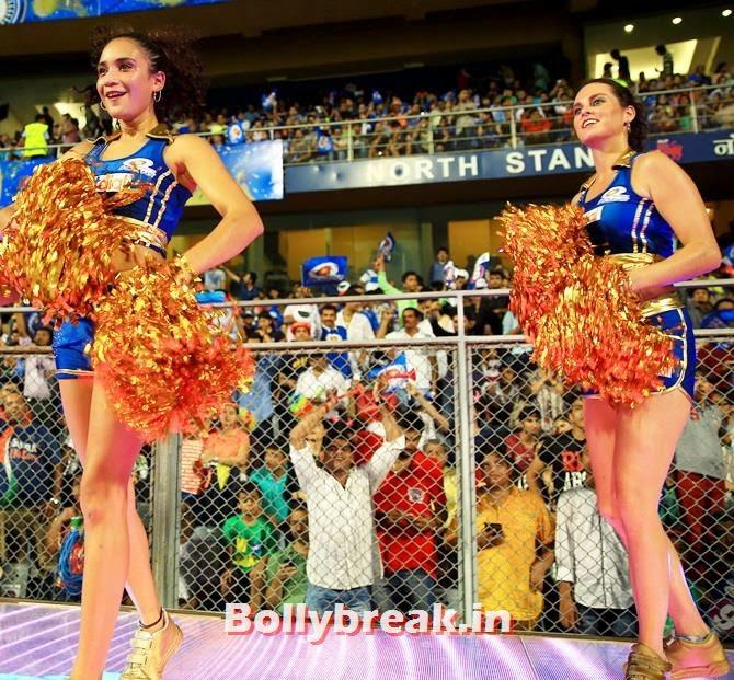 Mumbai Indians cheerleaders, Which team has the sexiest cheerleaders in the IPL 7