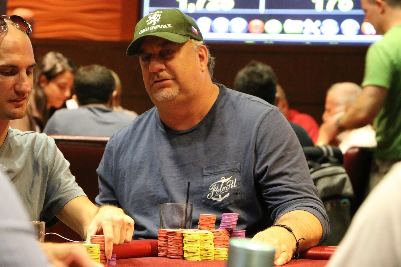 Lynette robinson poker mobilier de jardin a geant casino
