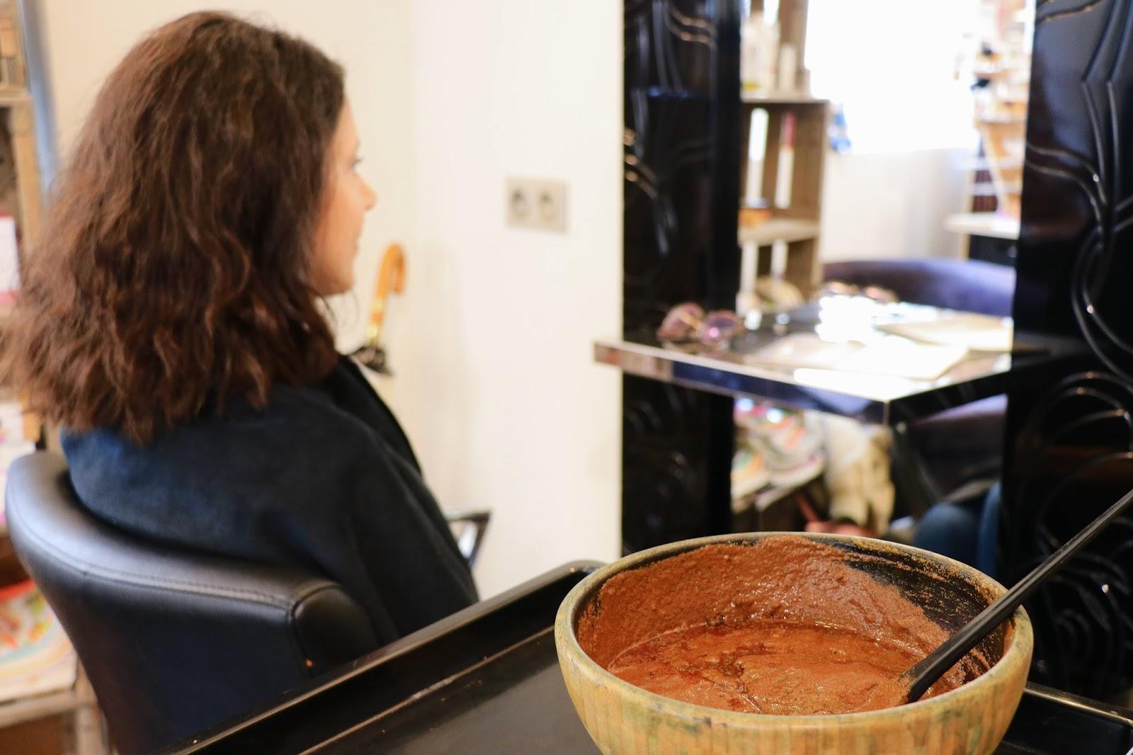 les gommettes de melo gommette beaute bio coloration végétale cheveux naturel plante sans agent chimique biologique coiffeur salon de coiffure rouge garance blond cuivre