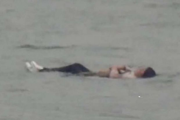Overweight Chinese Woman Attempts to Drown Herself But Her Extra Weight Made Her Float to the Surface!
