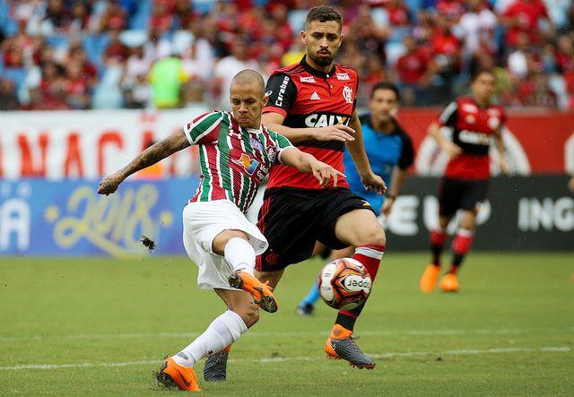 Rômulo sente  altitude  e Flamengo reserva perde para o Fluminense ... d1a38bf5c51f0