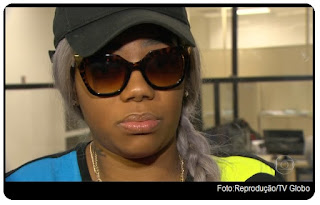 A funkeira Ludmilla procurou a Delegacia de Repressão Contra Crimes de Informática (DRCI) ontem (23) à tarde para registrar ocorrência contra um homem que teria feito comentários racistas sobre ela em uma rede social.