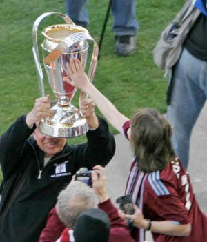 Rapids Fans get chance to touch MLS Cup...