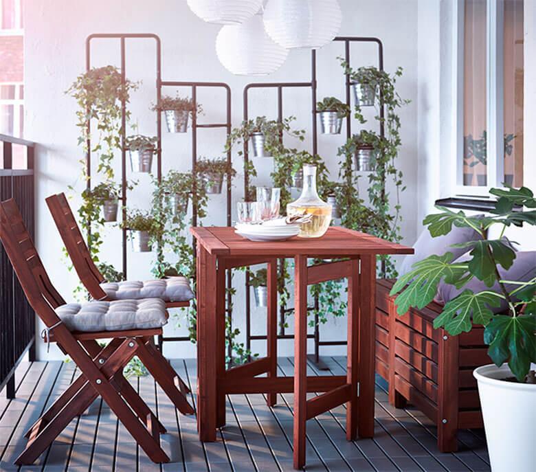 mesa-sillas-plegables-balcon-Ikea