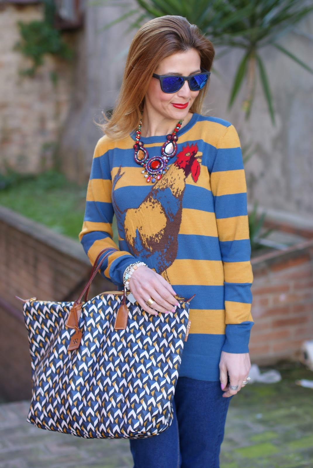 Easter holidays look with Roberta Pieri Robertina bag and Stella Jean cock sweater on Fashion and Cookies fashion blog, fashion blogger style