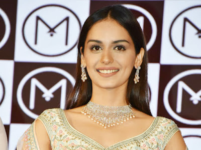 Manushi-Chillar-at-Malabar-Brand-Ambassador-Event