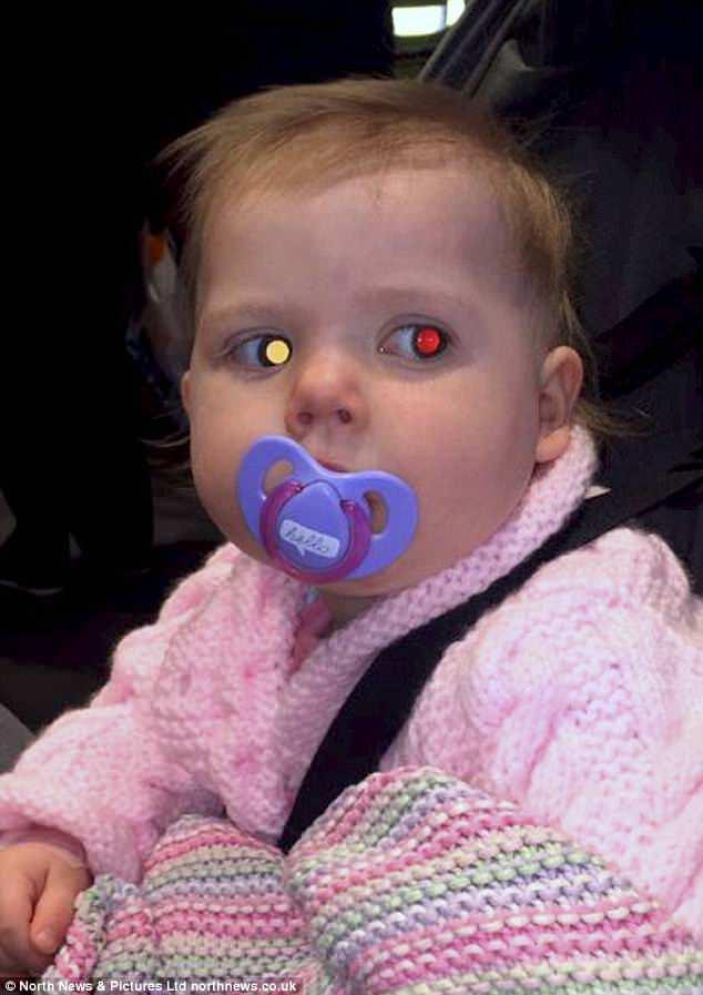 1cd406f178e52 Warna putih pada mata kanan Presley yang dikesan oleh Alessia