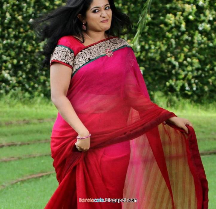 Malayalam Popular Actress Kavya Madhavan Hot Exposing Navel Show In