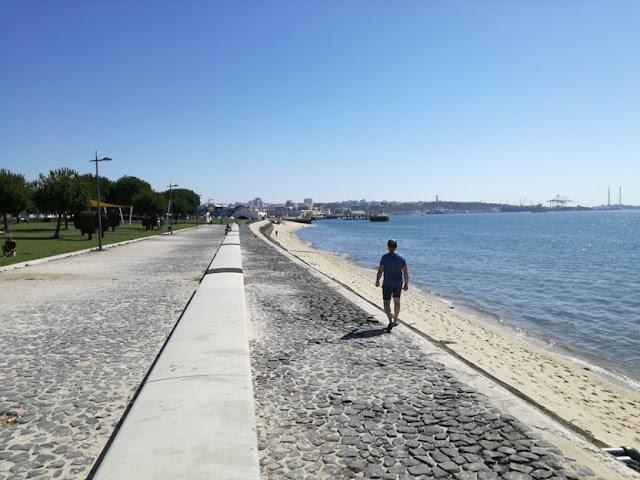 Zona Ribeirinha para caminhar junto ao Rio Sado