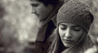 Alasan Wanita Tetap Mempertahankan Hubungan Meski Tidak Bahagia