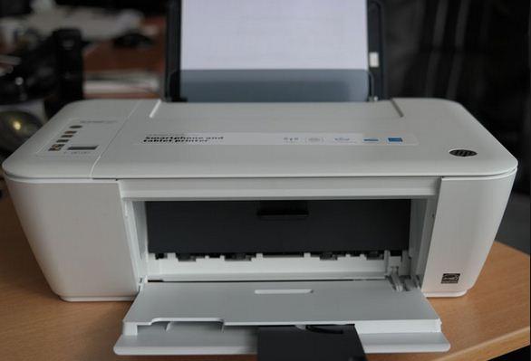 Banyak produk printer di pasaran yang tentunya membuat kita bingung Spesifikasi Printer HP Deskjet 2545 Terbaru 2017